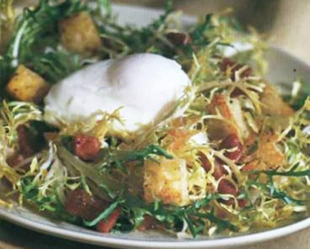 Салат из цикория с салом