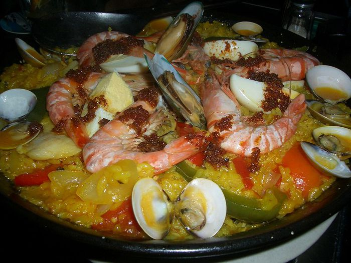 Средиземноморские тушеные морепродукты