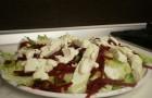 Яблоки и грецкие орехи с сыром стилтон