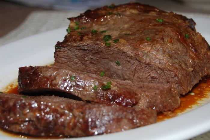 Жаркое из говядины со слойкой