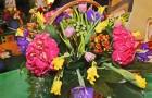 Цветочная композиция из гортензии и гиперикума
