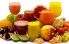 Почему нужно есть фрукты целиком, а не пить соки