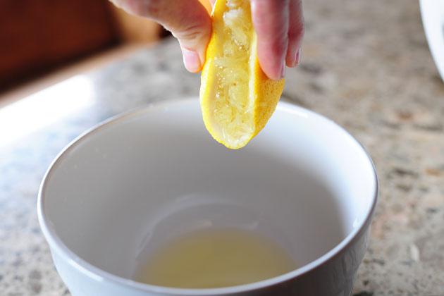 Средство для очищения с картофелем и лимонным соком