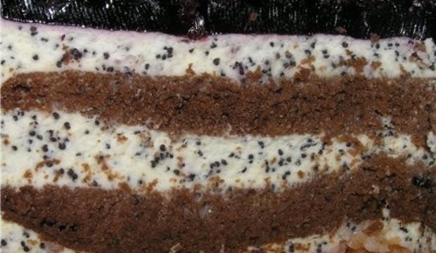 Бисквитный торт с корицей и черникой