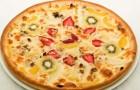 Фруктовая пицца с орехами