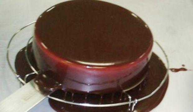 Шоколадная глазурь с желатином (гляссаж)