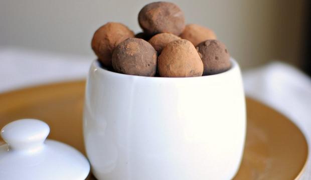 Шоколадно-абрикосовые трюфели