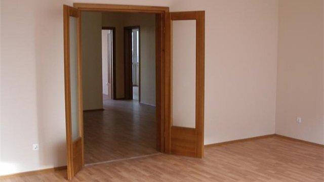 Установка дверных блоков