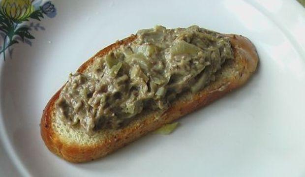 Бутерброды с грибным маслом
