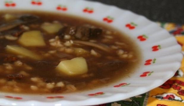 Грибной суп с перловой крупой по-польски