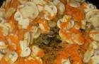 Грибы, тушенные с ячневой крупой (или рисом)