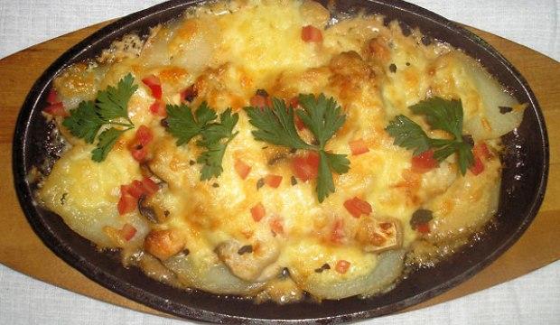 Грибы, запеченные с картофелем