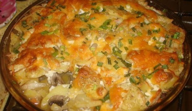 Картофельная бабка, фаршированная шампиньонами