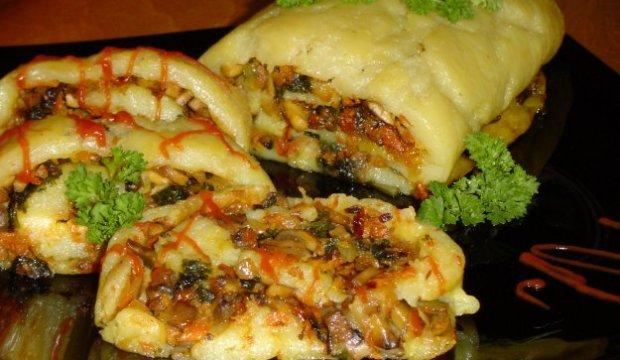Рулет картофельный с грибами