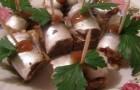 Рулеты из килек с грибами