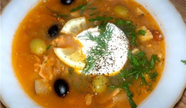 Солянка с морской рыбы с грибами