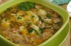 Суп мясной с грибами и морковью