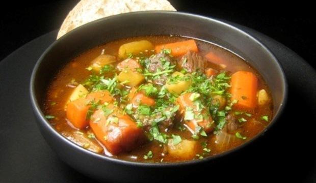 Суп мясной с овощами и грибами