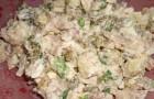 Грибной салат с картофелем и огурцами
