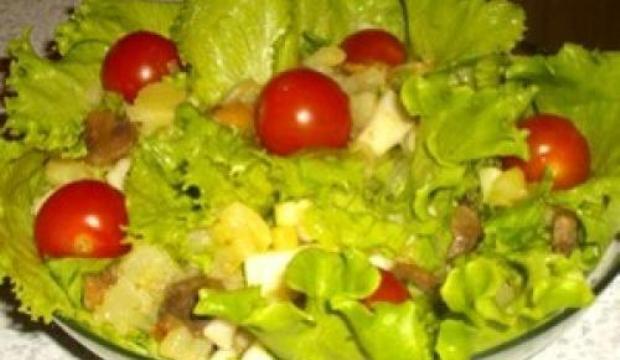 Грибной салат с картофелем и с яблоками