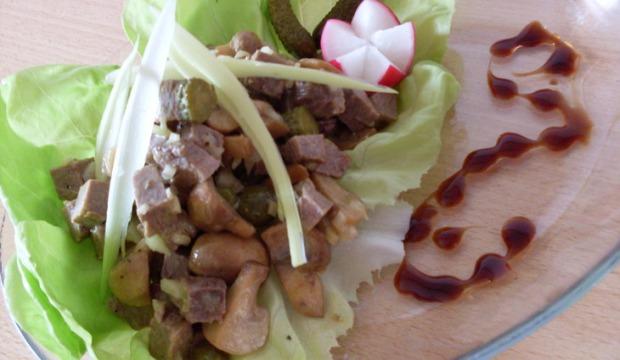 Салат из шампиньонов с телятиной