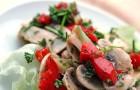 Салат с грибами, сельдереем и перцем по-армянски