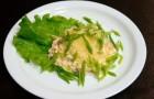 Салат-латук с горчичным соусом