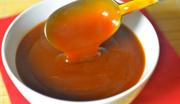 Соус кисло-сладкий с изюмом к рыбе, картофельным и рисовым котлетам