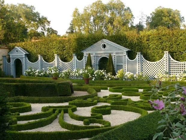 Сад замка де Бреси
