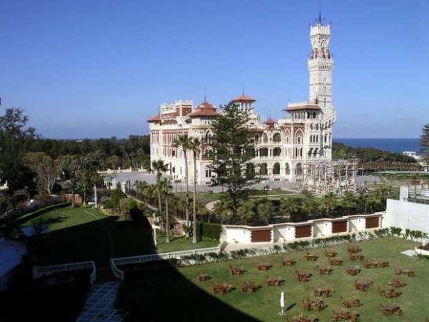 Сады дворца Аль Монтазах