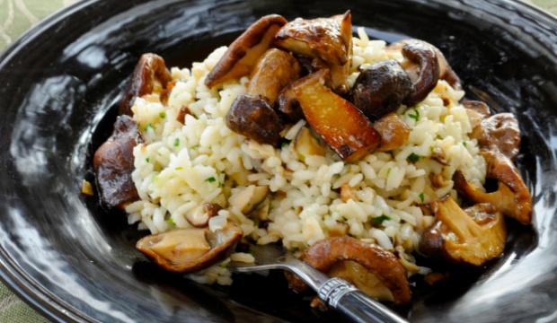 Маслята с рисом в пароварке