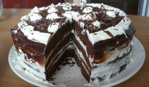 Медово-творожно-шоколадный пирог со сливами в мультиварке
