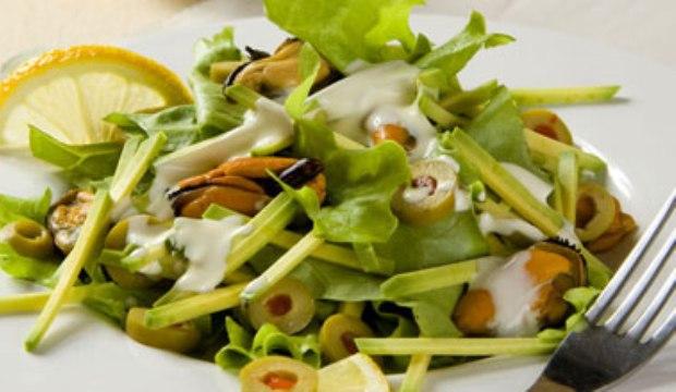 Мидии с оливками в пароварке