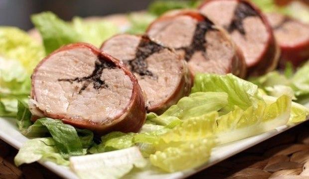 Рулеты из свинины с оливками в пароварке