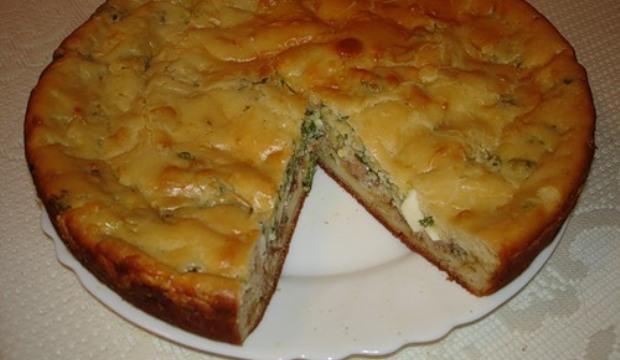 Рыбный пирог с горчичной заливкой в мультиварке