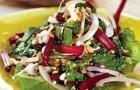 Салат из свекольной ботвы с орехами и аджикой в пароварке