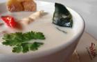 Суп из филе индейки с кокосовым молоком в скороварке
