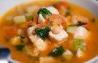 Суп из филе индейки с помидорами черри в скороварке