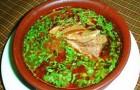 Суп из говядины с рисом, фасолью и кислым молоком в скороварке