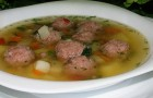 Суп из индейки с фрикадельками и лапшой в скороварке