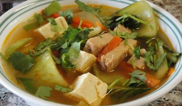 Суп из индейки с цукини и макаронными изделиями в скороварке