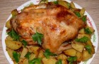 Жареная курица с картофелем в мультиварке