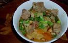 Суп из свиной шейки с черносливом и яблоком в скороварке