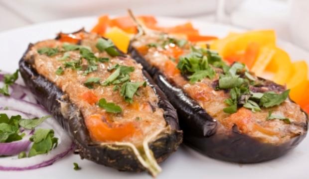 Баклажаны, фаршированные мясом и адыгейским сыром