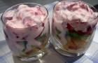 Фруктовый салат с макаронами и натуральным йогуртом