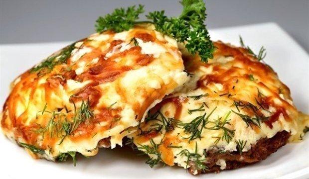 Мясо под адыгейским сыром