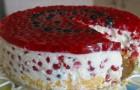 Торт из красной смородины с домашним йогуртом