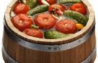 Томаты, квашенные с овощной смесью