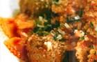 Фарфалле с фрикадельками из кролика в пикантном соусе
