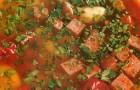 Фасолевый суп на свиных ребрах с салями